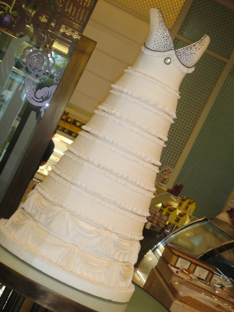 British brides are going for great heights with wedding cakes of several