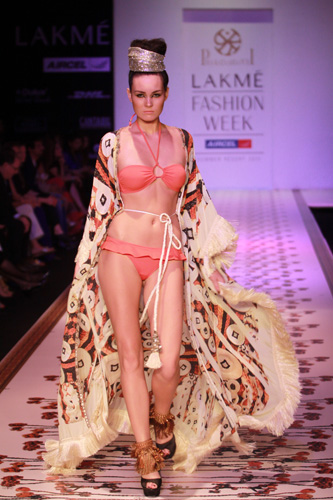 Pria Kataaria Puri - Lakme Fashion week 2011