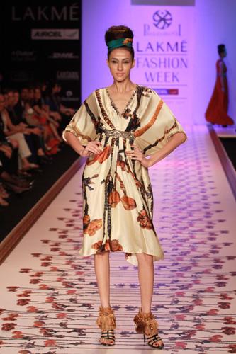 Pria Kataaria Puri- Lakme Fashion week -2011 -2
