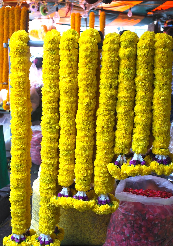 indian wedding decor-flowers