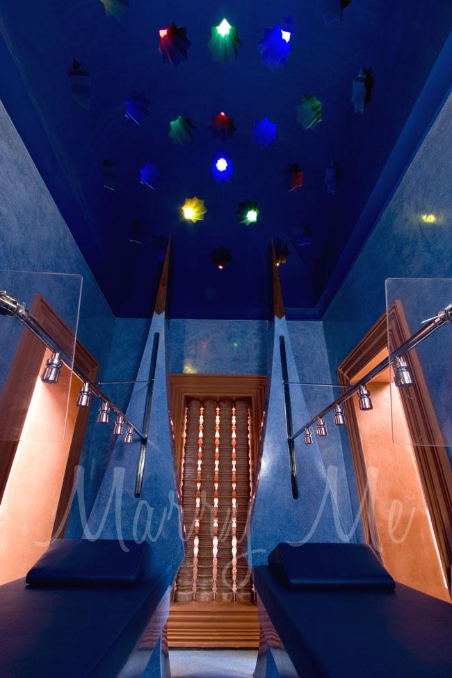 Vicky-Showerroom-Hyatt-Thailand