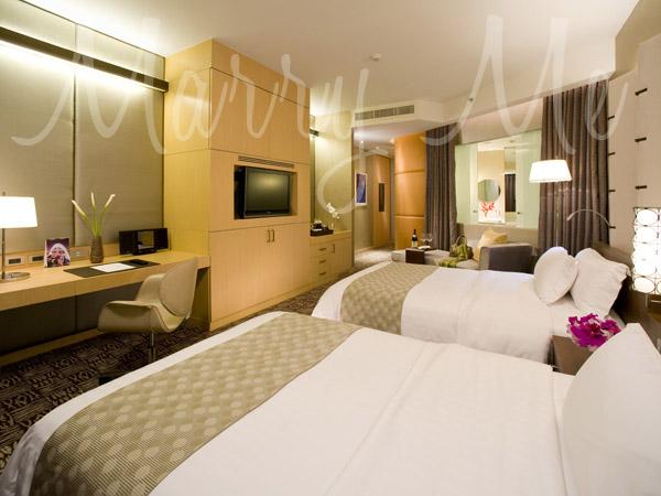 Deluxe-Club-Suite-Centara-Bangkok