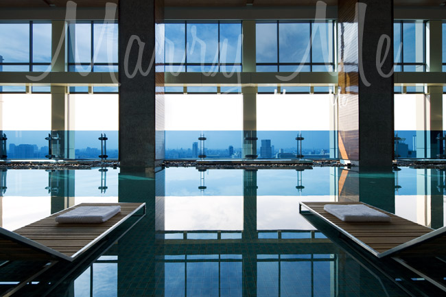Pool- Renaissance -Bangkok
