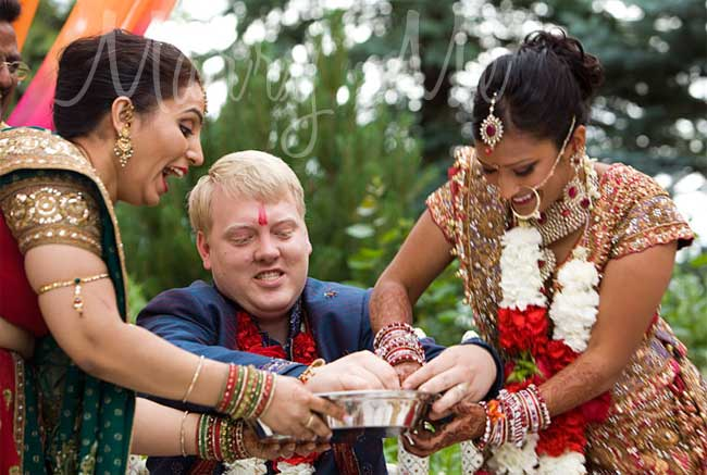finding-the-ring-at-Indian-wedding