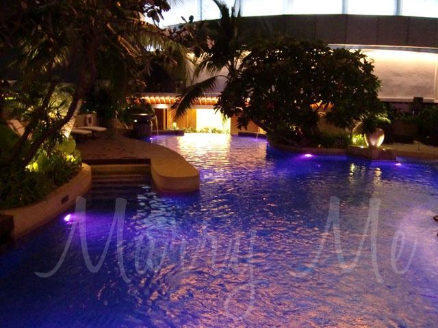 intercon-pool-side-wedding