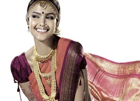The traditional wedding attire for Iyengar and Iyer brides from Tamil Nadu