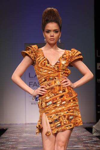 Pria Kataria Puri at Lakme Fashion Week 2011