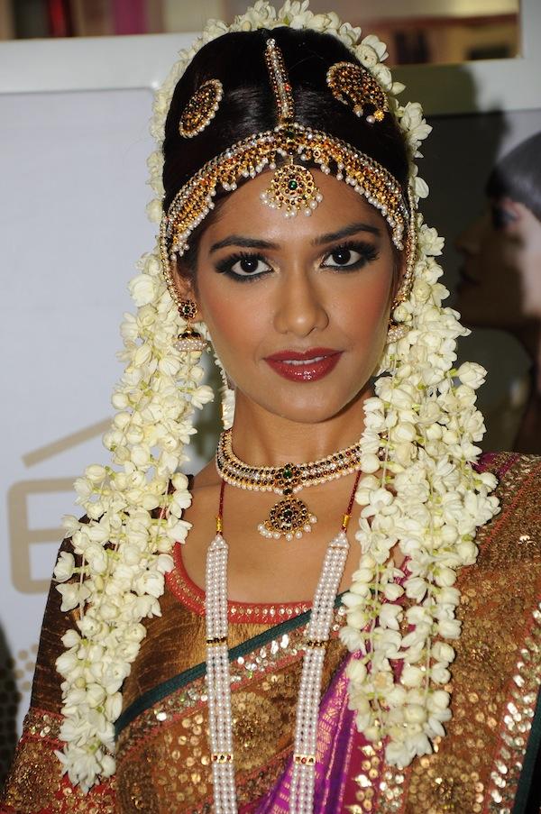 Lakme Salon  - Tamil Bride Look