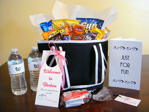 Welcome Wedding Gift Basket/Bag Ideas for Destination Weddings