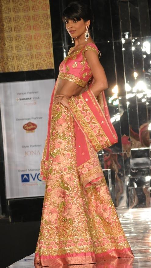 Model in Pallavi Jaikishan 4 at India Bridal Week