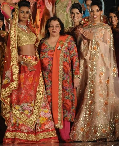 Pallavi Jaikishan with models at India Bridal Week