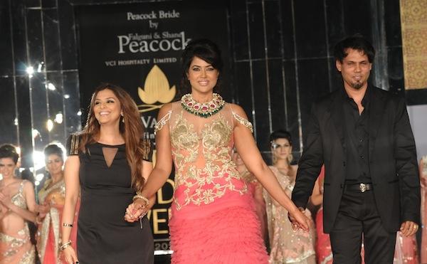Sameera Reddy with Shane & Falguni Peacock at India Bridal Week