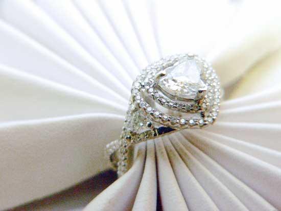 diamond-engagment-ring