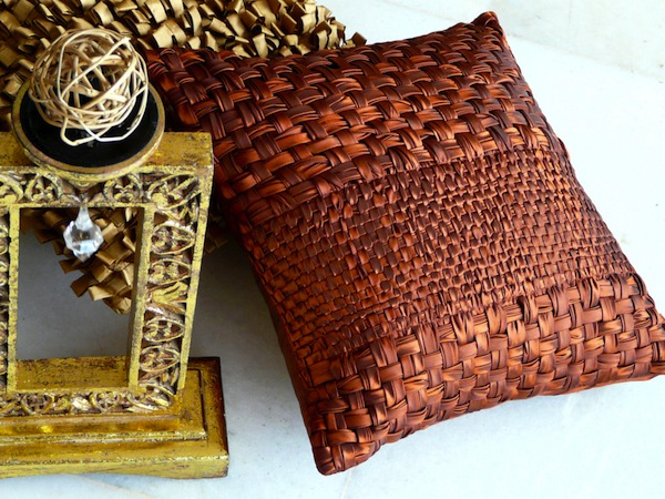 accent cushions for wedding gifting