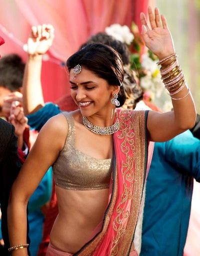 Deepika padukone in break ke baad saree