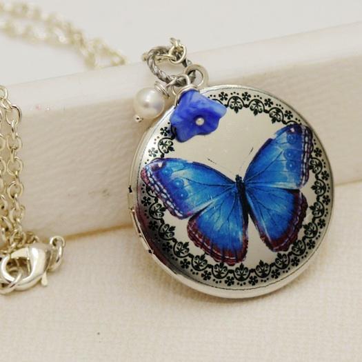 blue locket for wedding