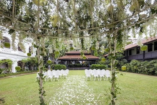 Raffles Hotel Singapore - The Lawn 3