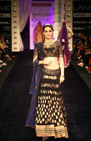 Neeta Lulla fashion show 2013