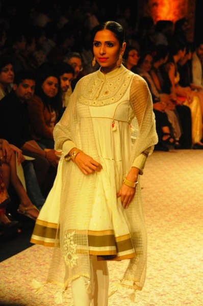 Ritu Kumar show at Lakme Fashion week