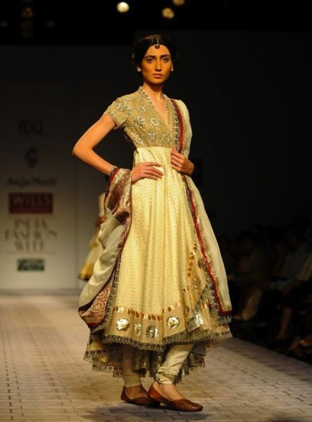 anju modi at wills india fashion week