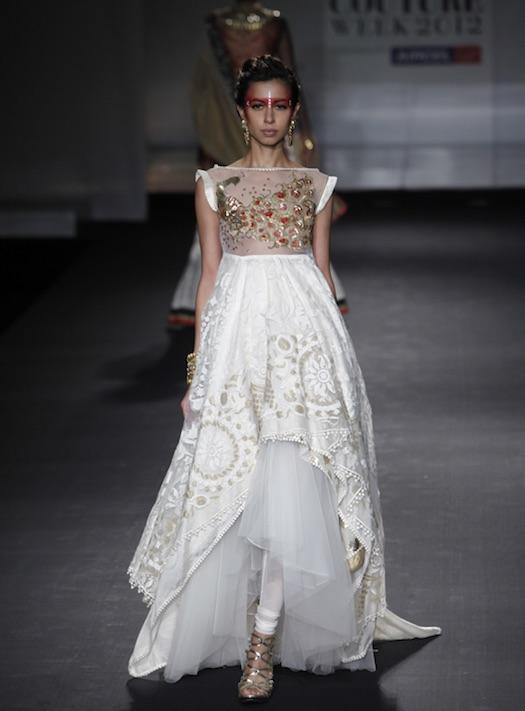 Anju Modi showcased at the Delhi Couture Week 2012
