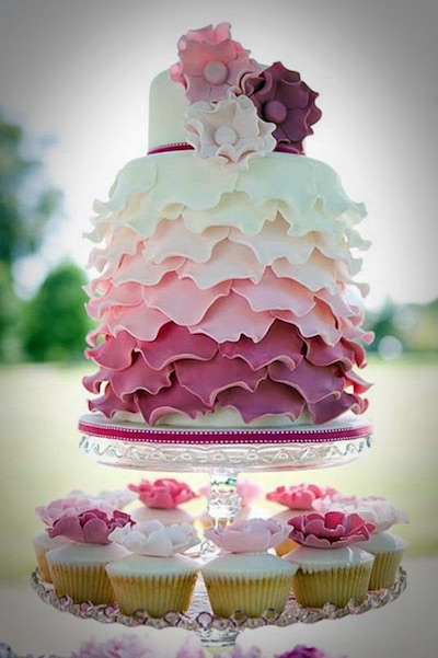 combination wedding cake with cupcakes