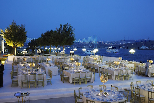 Ciragan Palace Kempsinski outdoor wedding